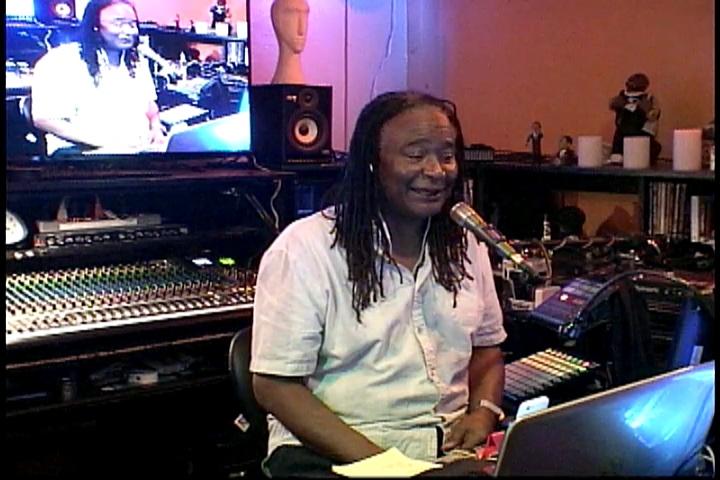 Mario's Magic Mixtape: Vibing Usher & Phil Perry (11-04-16)