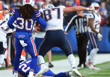 Victor Allen's Nu New Sportz: Tom Brady's Shaky Head Anger vs. Gronkowski's Blindside Attack (12-4-17)